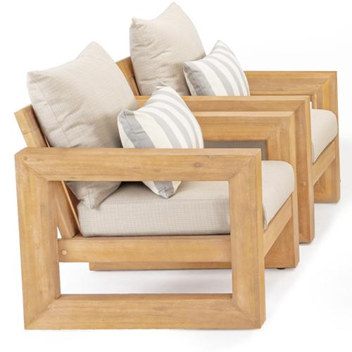 Made from acacia, a sustainable wood with low moisture content and naturally occurring antibacterial properties.
