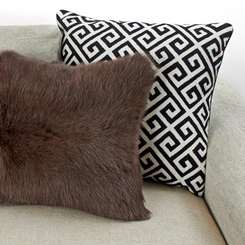 Comes complete with fully coordinated, hand woven accent pillows.