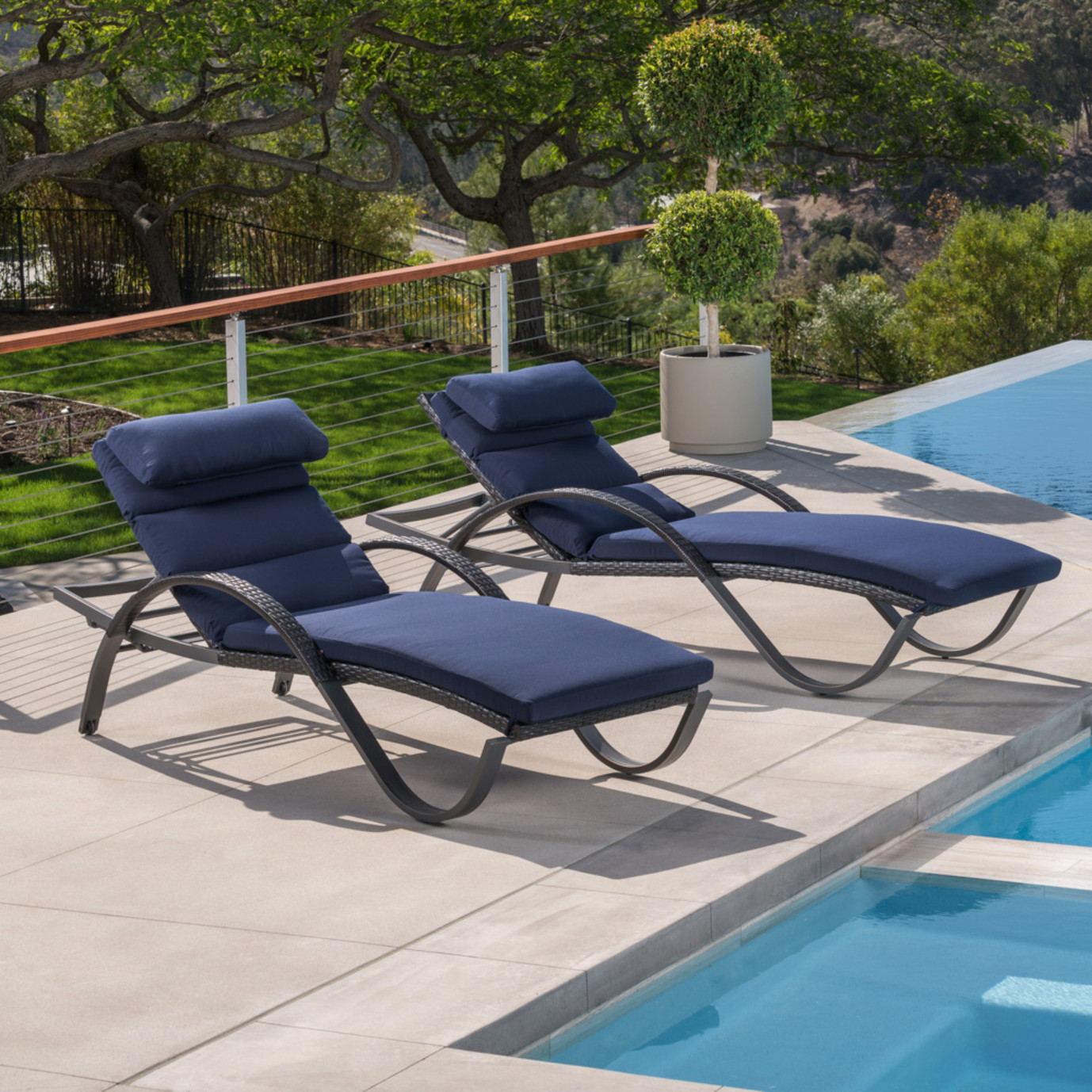 Deco chaise lounges with cushions navy blue rst brands for Blue chaise lounge cushions