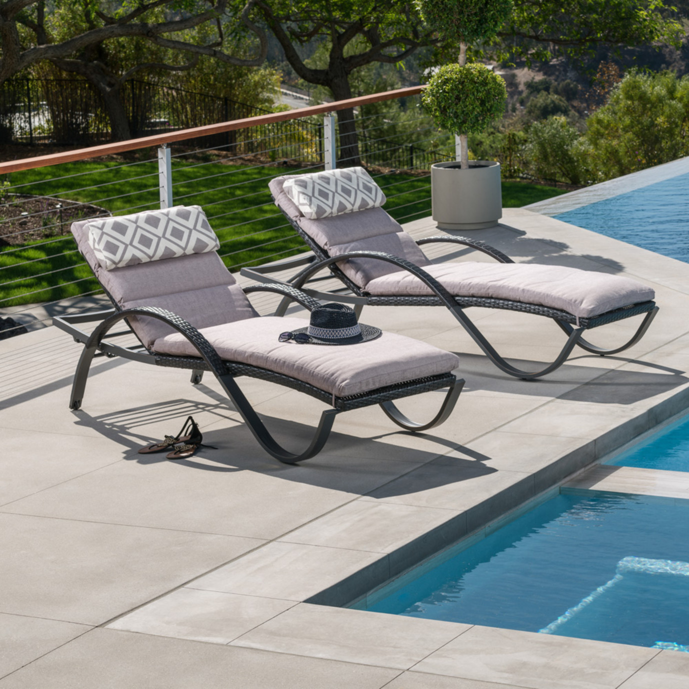 Deco™ Chaise Lounges with Cushions - Wisteria Lavender