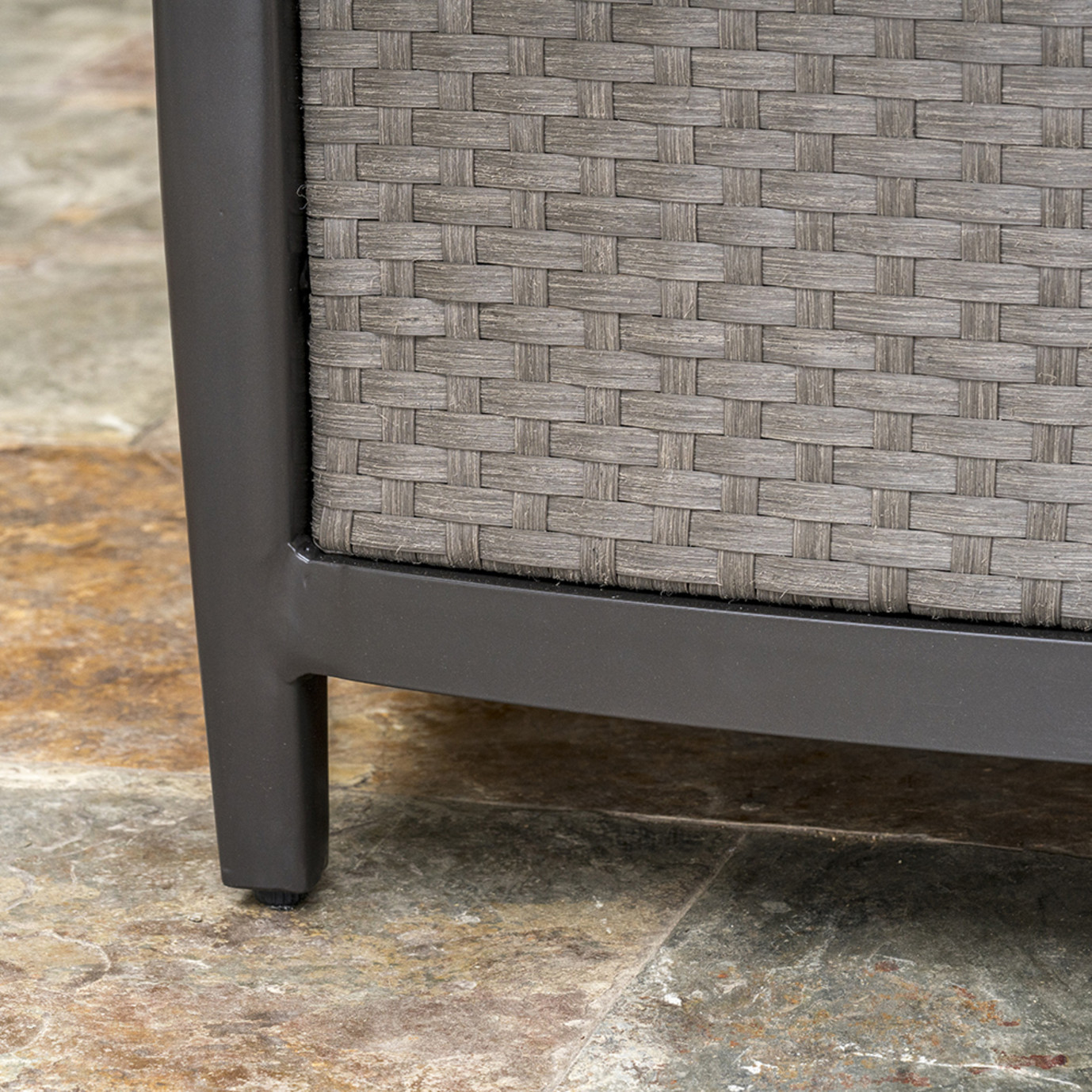 Vistano™ 48in Stone Top Fire Table