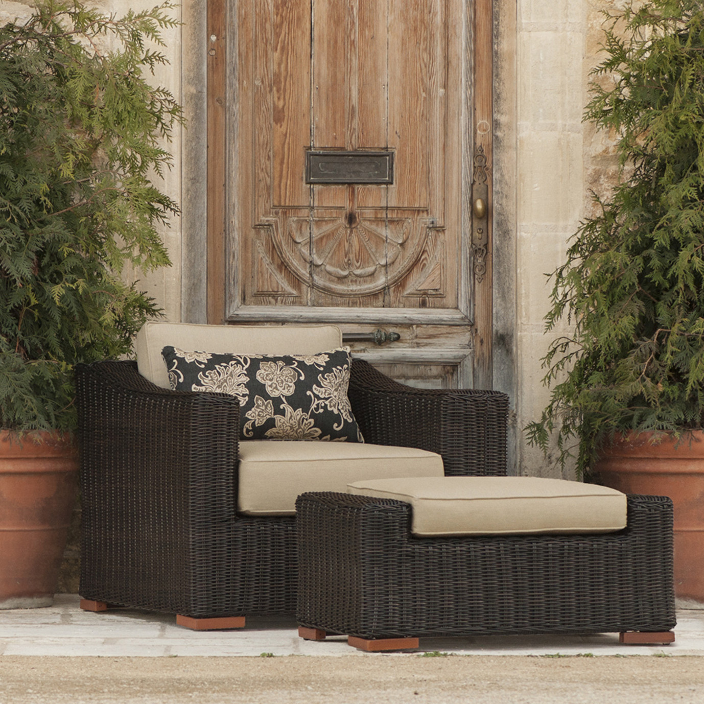 Resort™ Club & Ottoman Set - Espresso/Heather Beige