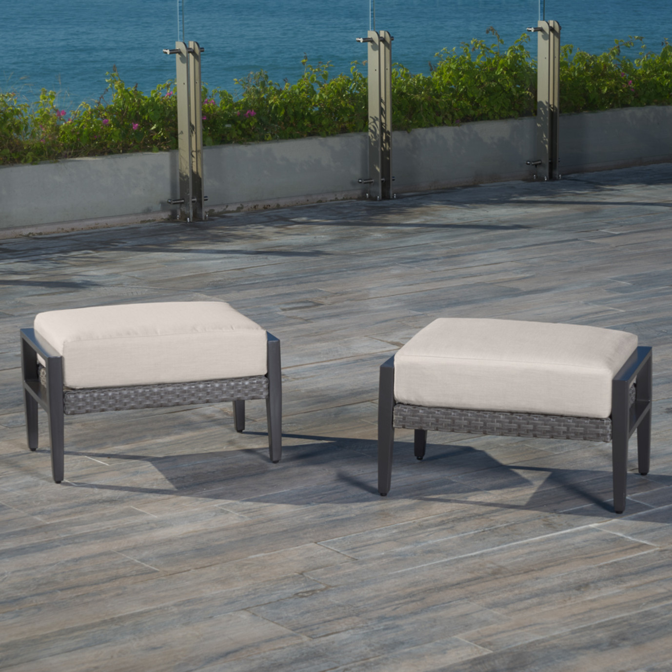 Vistano Club Chair Ottomans Rst Brands
