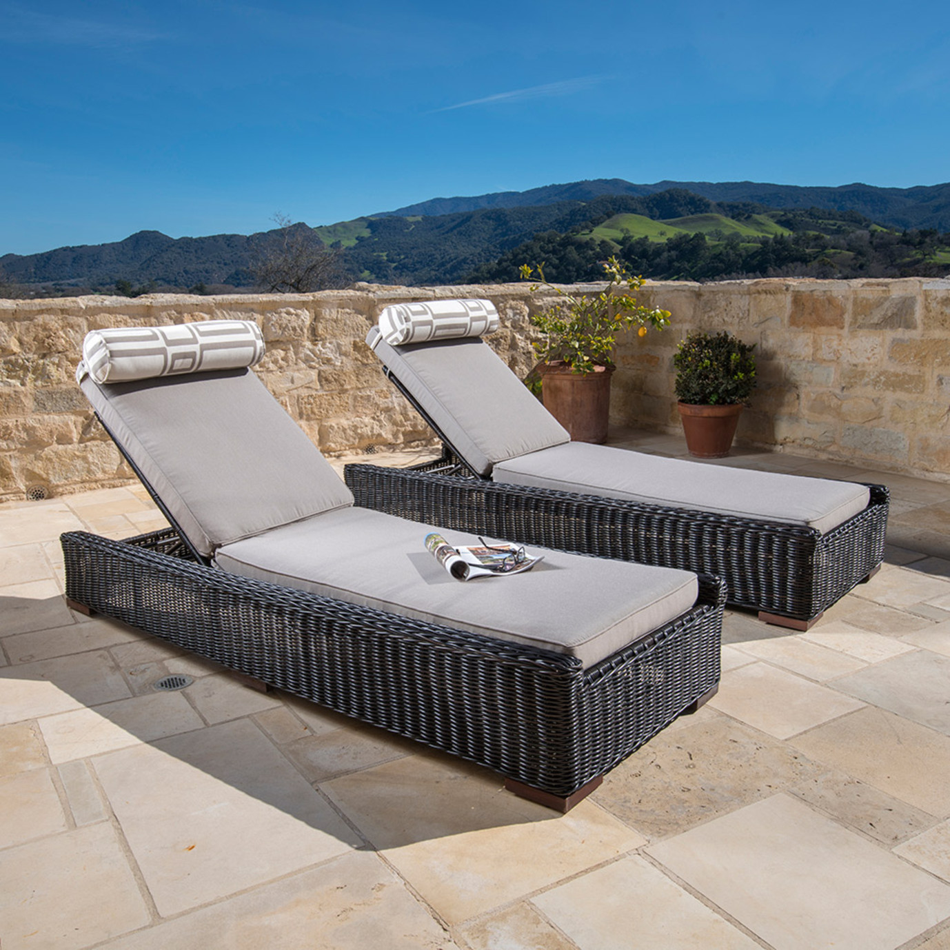Resort™ 2pc Lounge & Cushion Set - Espresso/ Frank Stone