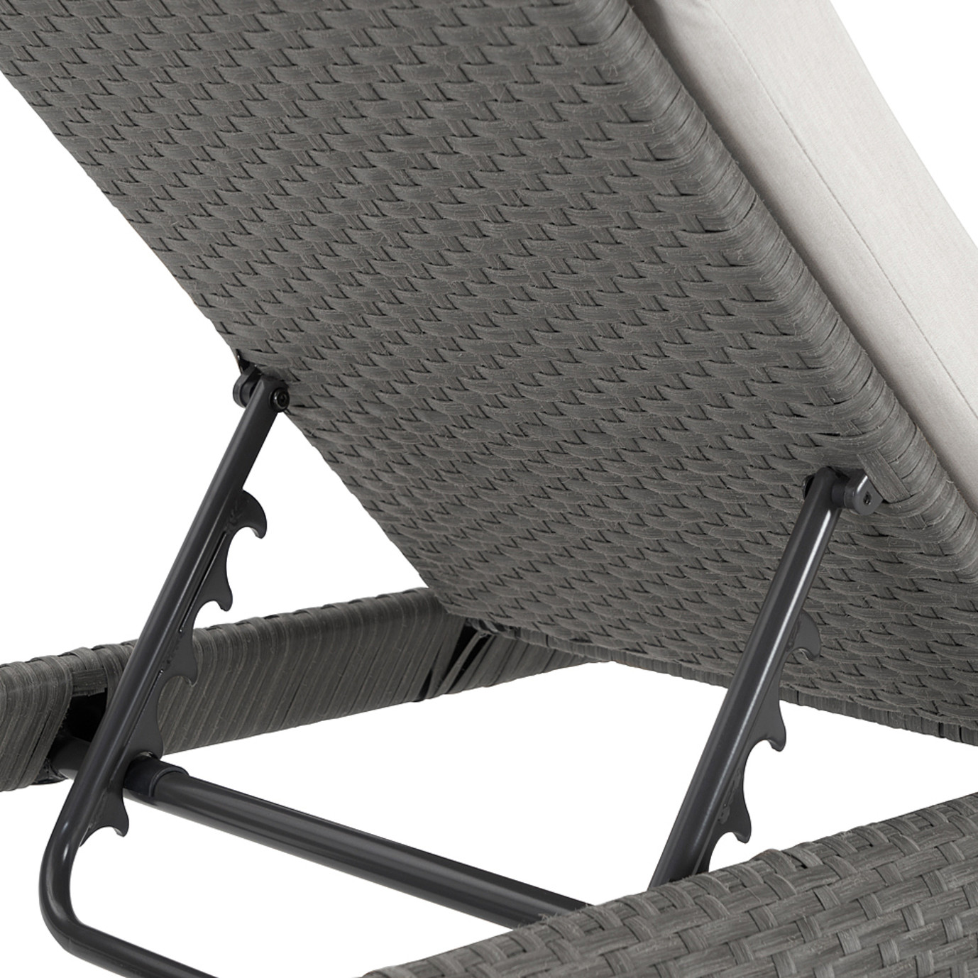 Vistano™ Chaise Lounges