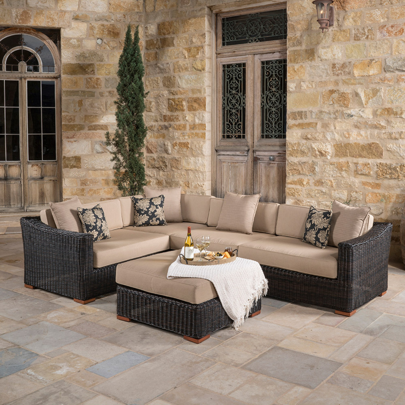 Resort™ 5pc Sectional & Ottoman Set - Espresso/Heather Beige