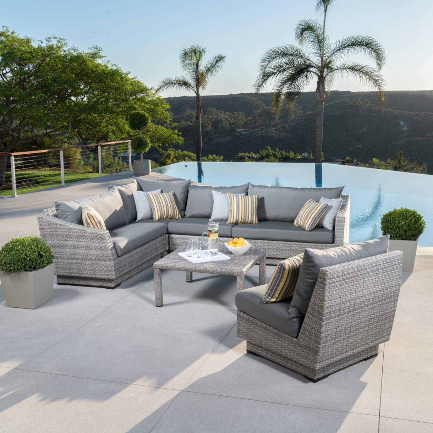 Cannes™ 6 Piece Sectional & Table - Charcoal Gray