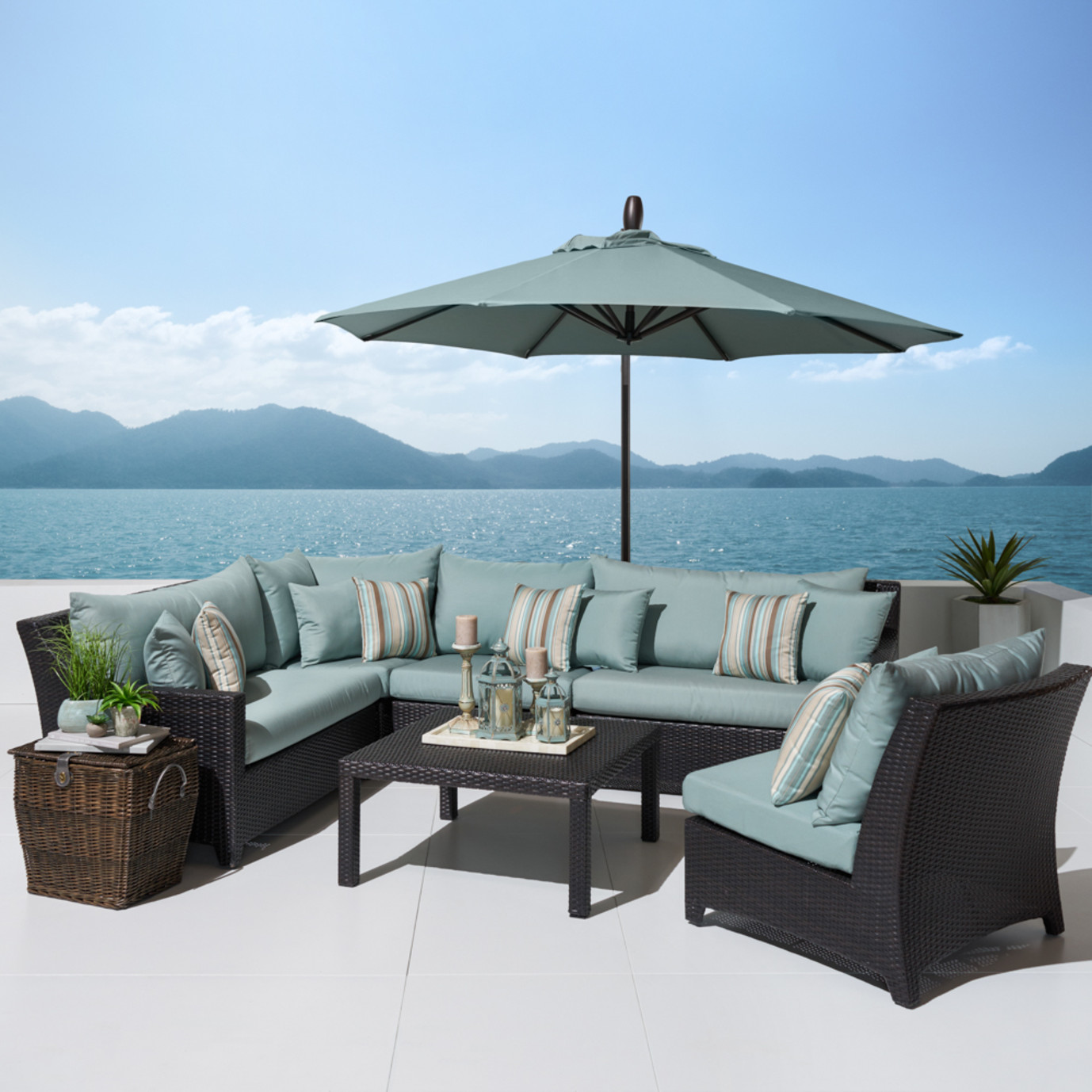 Deco™ 6pc Sectional and Table with Umbrella - Bliss Blue