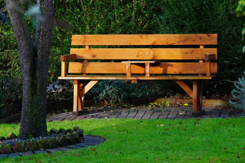 How to Stain Outdoor Furniture [Our Expert Guide]