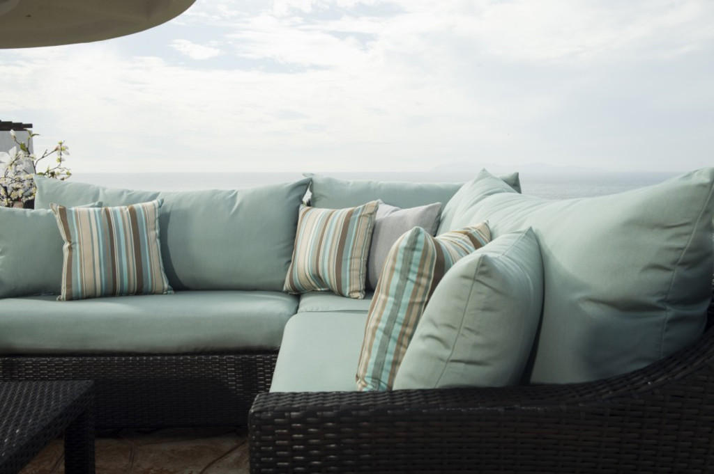 How to Clean Your Outdoor Furniture [Expert Tips & Insights]