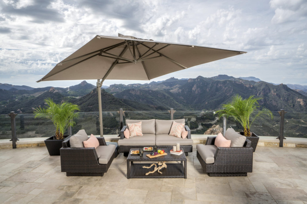 What to Look for When Selecting Patio Furniture