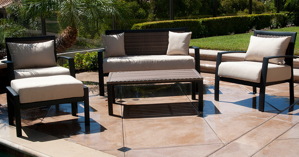 Time For New Patio Furniture? 7 Things to Look For