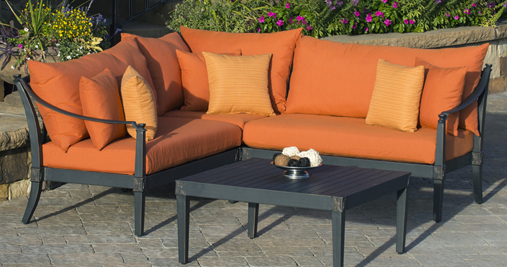 9 Ways to Transition Your Patio or Porch from Summer to Fall